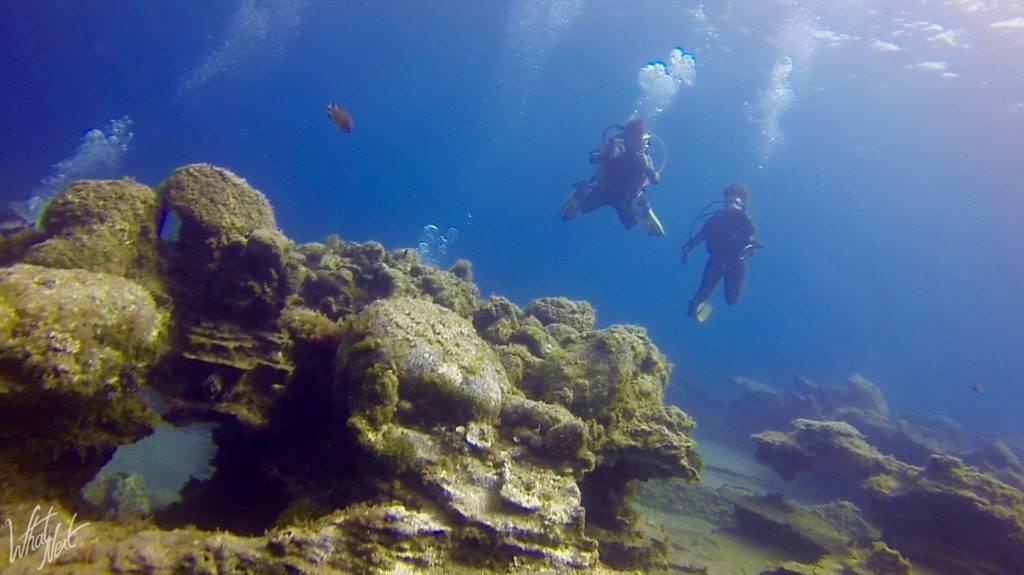 2 plongeurs en plongée